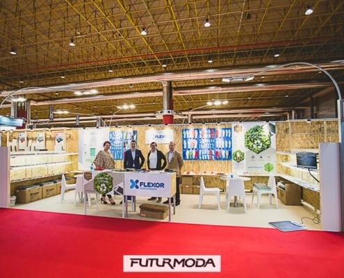 Stand de 24 m2 con trasera alta en Futurmoda