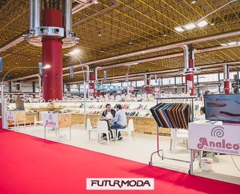 stand de 36 m2 y trasera baja en Futurmoda